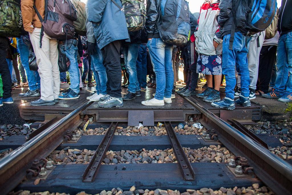 Flüchtlinge treffen zur Verteilung in Lehrte ein